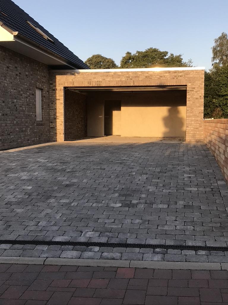 Plasterung Einfahrt & Garage
